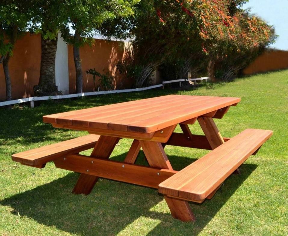 Уличные столы для дачи